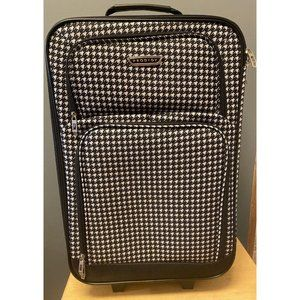 Prodigy Travel Suitcase - Black And White Star